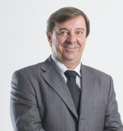 Osmar Della Valentina, 1º Sucessor, após fundador Mário Gazin.